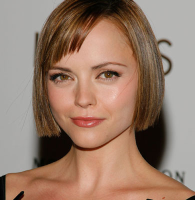 Christina Ricci is so posh with this extra short blunt bob and tapered bang
