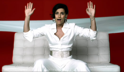 nelly_furtado_manos_al_aire_1