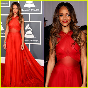rihanna-grammys-2013-red-carpet1